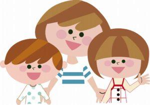笑顔のママと子どもたち