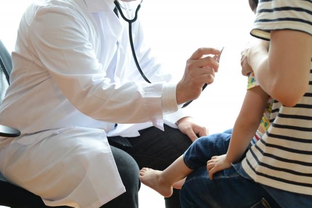小児科受診する子ども