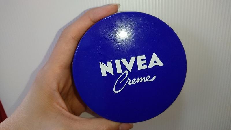ハトムギ化粧水-ニベア青缶画像